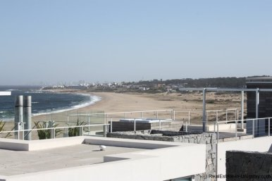 4596-A-Modern-Seafront-Apartment-in-Manantiales-1564