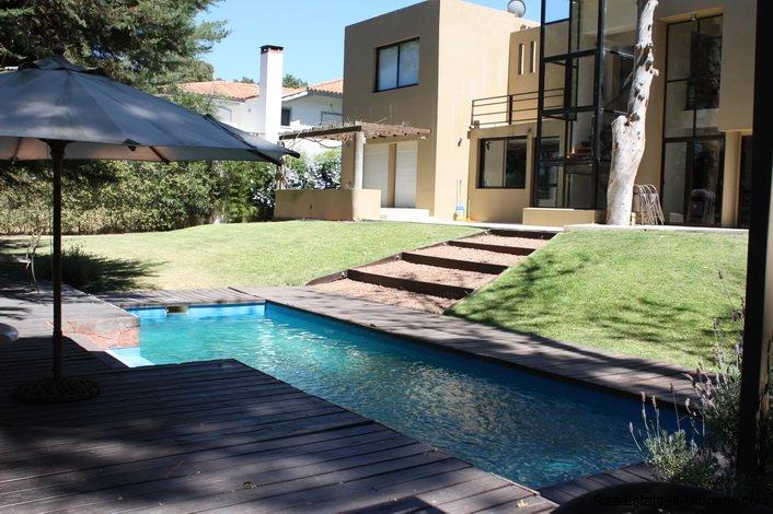 4714-Modern-Home-by-the-Sea-in-Rincon-del-Indio-Area-1526