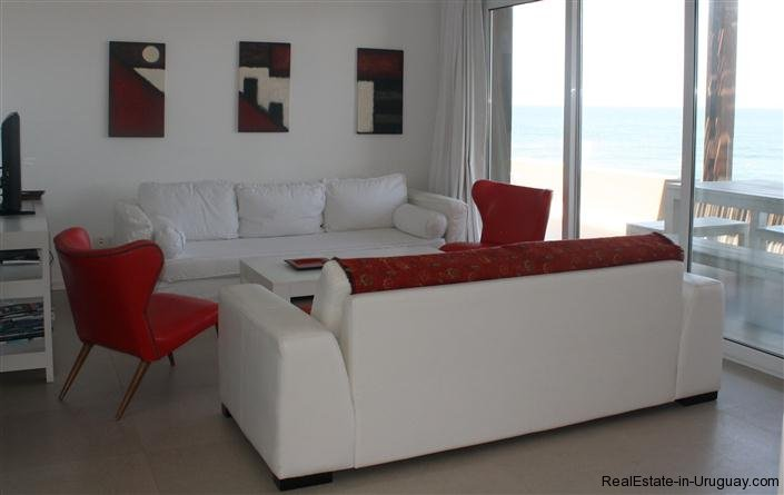 4728-Spacious-Apartment-in-Peaceful-Surroundings-Steps-from-the-Beach-1515