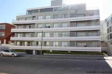 4868-Penthouse-by-El-Emir-Beach-on-Peninsula-2072