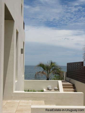 5008-Modern-designed-House-just-Meters-from-the-Lagoon-2311