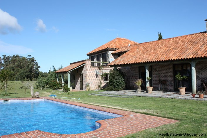 4264-Pretty-Traditional-Style-Ranch-near-Jose-Ignacio-3092