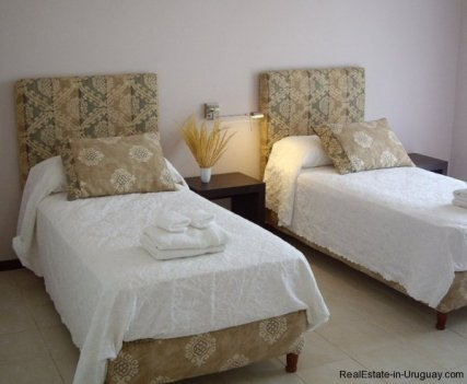4554-Beautiful-Estate-directly-on-Laguna-del-Sauce-3113