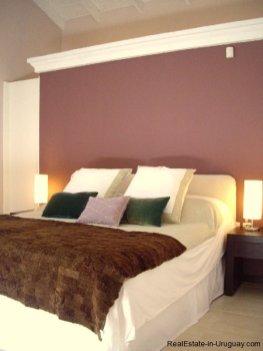 4554-Beautiful-Estate-directly-on-Laguna-del-Sauce-3114