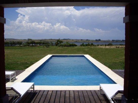 4554-Beautiful-Estate-directly-on-Laguna-del-Sauce-3116