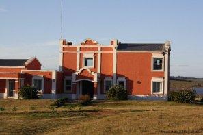 4554-Beautiful-Estate-directly-on-Laguna-del-Sauce-3121