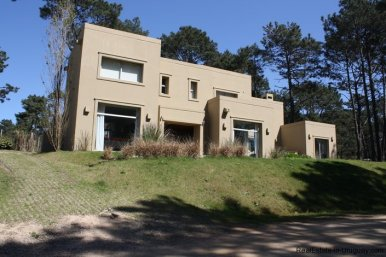 4587-Modern-House-for-Rent-in-Jose-Ignacio-3079
