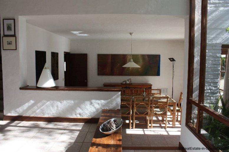 4858-Modern-Private-Estate-in-Cantegril-3239