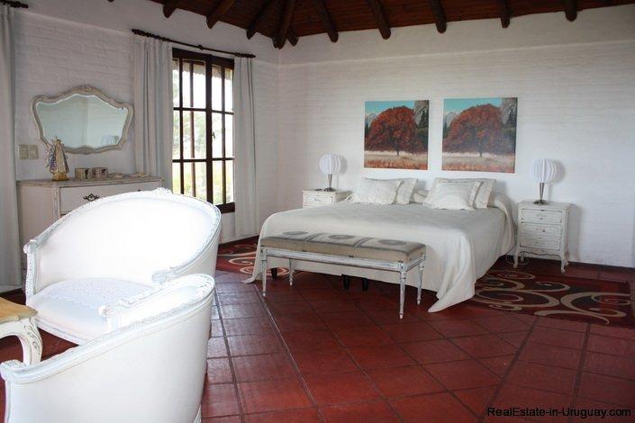 5094-Modern-Home-in-El-Quijotes-Natural-Surroundings-2898