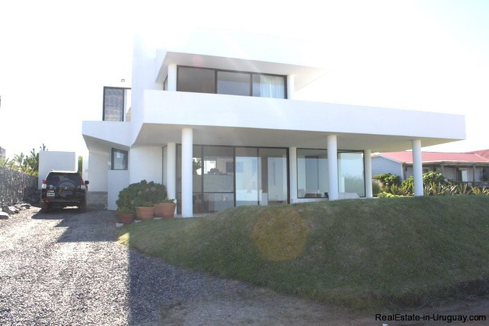 5103-Modern-Home-in-Club-de-Mar-close-to-the-Beach-2865
