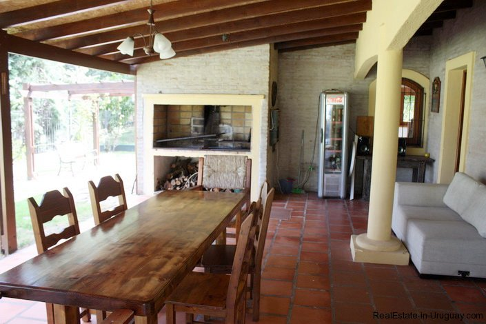 5169-Mediterranean-Style-Home-in-Residential-Location-with-Gardens-2811