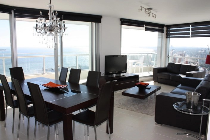 5205-Modern-Top-Floor-Apartment-with-Spectacular-Views-on-Mansa-3480