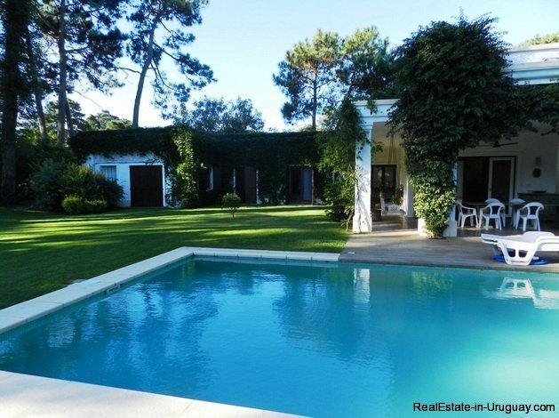 5223-Ideal-Permanent-Home-in-Barrio-Lugano-Area-3529