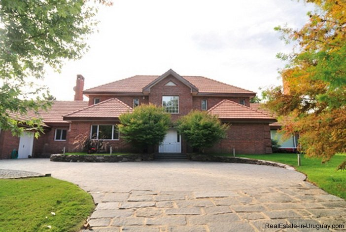 5230-A-Home-of-Pure-Comfort-in-El-Golf-Area-3555