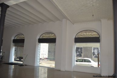 1257-Commercial-Building-by-Port-of-Montevideo-3874