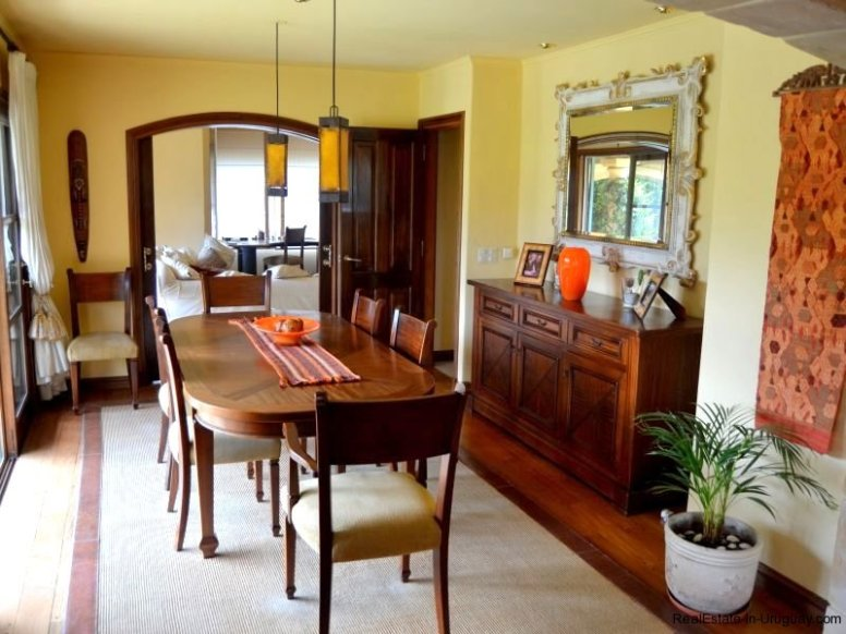 1352-Magnificent-Residence-in-Carrasco-4103