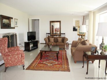 4361-House-on-the-Golf-Course-in-Punta-Del-Este-4312