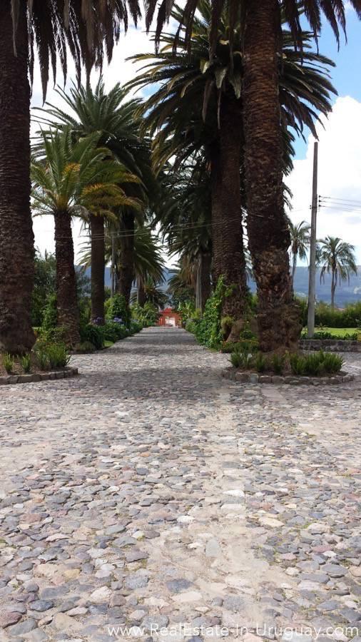 Entrance San Isidro, Valle de los Chillos, Ecuador