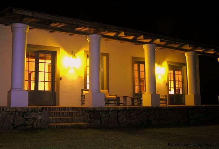 1281-Night-at-Chacra-close-to-historical-town-Colonia-del-Sacramento