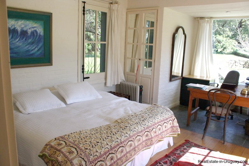 Guestroom-of-Estancia-overlooking-Laguna-Blanca-in-Manantiales
