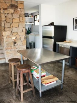 Kitchen-of-Modern-Stone-Chacra-in-the-Minas-Area