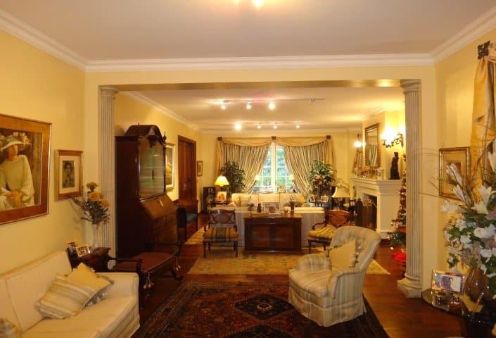 Livingroom-of-Traditional-Villa-Carrasco-Montevideo