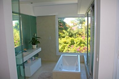1019-Bathroom-of-Villa-near-Ocean-Carrasco-Montevideo