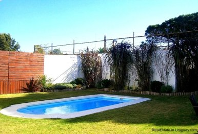 1277-Pool-of-Modern-Cubic-Home-Carrasco-Montevideo