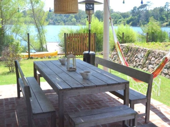 1413-Terrace-of-Lake-Home-in-Lagos-Montevideo