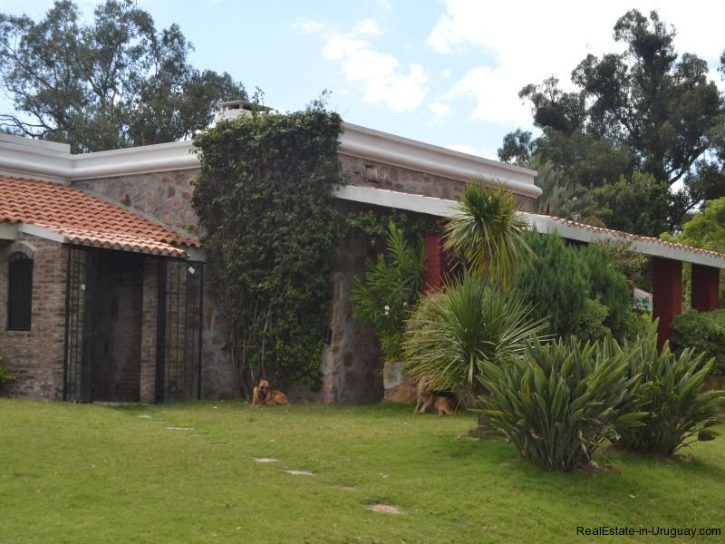Front-of-Farm-House-San-Luis-Montevideo