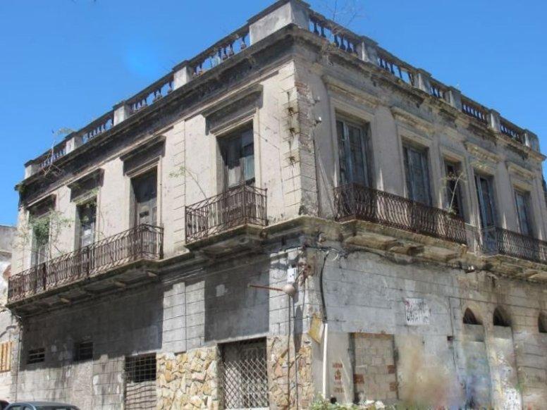 1422-Actual-Historic-Building-Harbor-Area-Montevideo