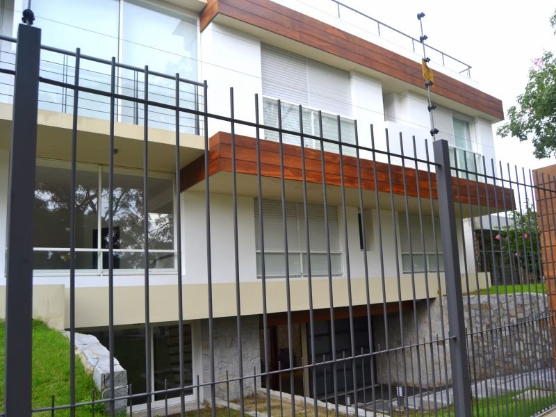 Front-of-New-Apartment-Punta-Gorda-Montevideo