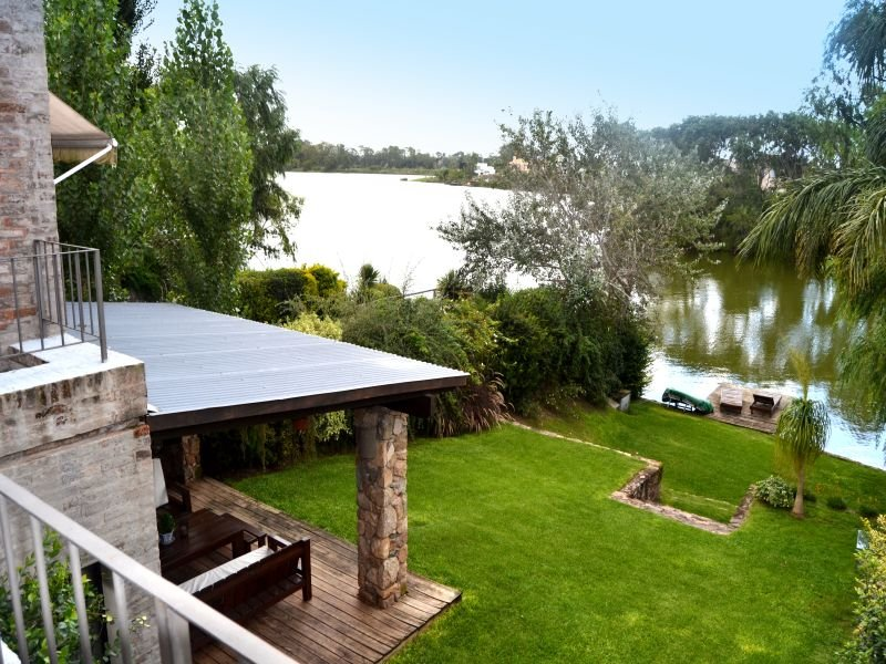 View-of-Lake-House-in-Carrasco-Montevideo