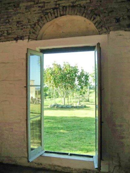 5406-Walls-of-Historic-Ranch-near-Cabo-Polonio