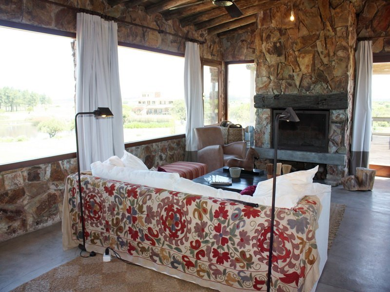 5458-Living-Room-of-Lake-Ranch-in-El-Quijote