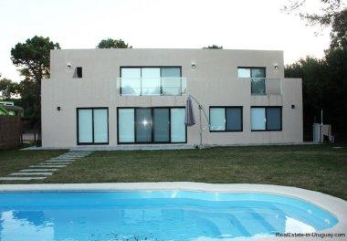 Backyard-of-New-Home-in-Arbolada-Punta-Del-Este