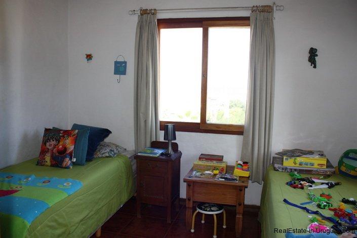 4478-Bedroom-of-Brick-Home-in-La-Barra