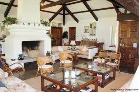 5531-Living-of-Traditional-Villa-in-El-Golf-Punta-del-Este