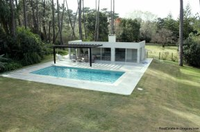 5641-Poolhouse-of-Large-Cubic-Home-in-Punta-del-Este