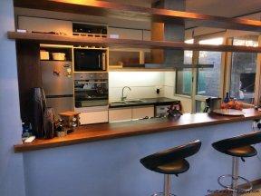 5666-Kitchen-of-Modern-Beverly-Hills-Home-Punta-del-Este