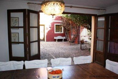 4608-Courtyard-of-Villa-in-Montoya-10
