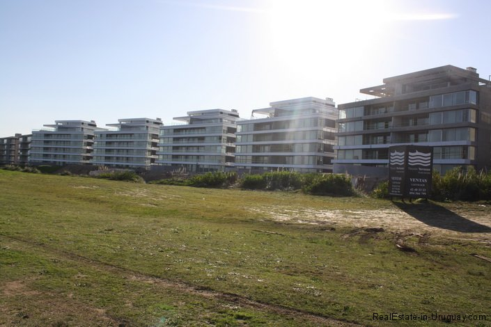 4985-Front-of-Penthouse-Brava-Beach-1