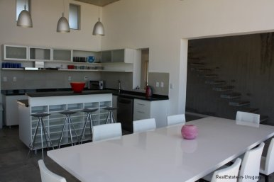 5479-Kitchen-of-Modern-Home-in-Jose-Ignacio