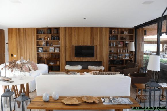 5685-Living-of-Amazing-Villa-in-Fasano