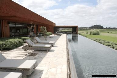 5685-Pool-2-of-Amazing-Villa-in-Fasano