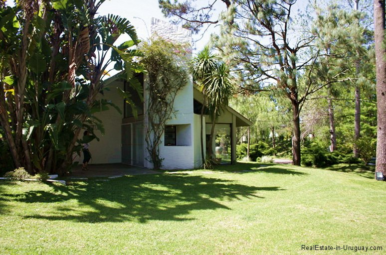 Outside of home with Garden in Punta del Este