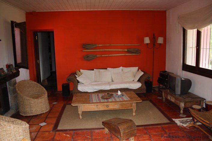5196-Living-of-Chacra-Punta-Ballena-Area