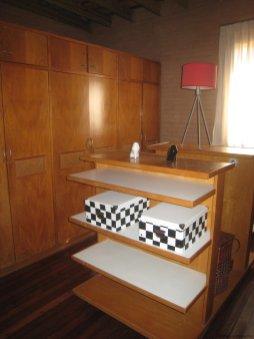 5740-Dressing-Room-of-Stone-House-La-Arbolada