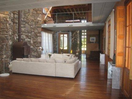 5740-Living-of-Stone-House-La-Arbolada