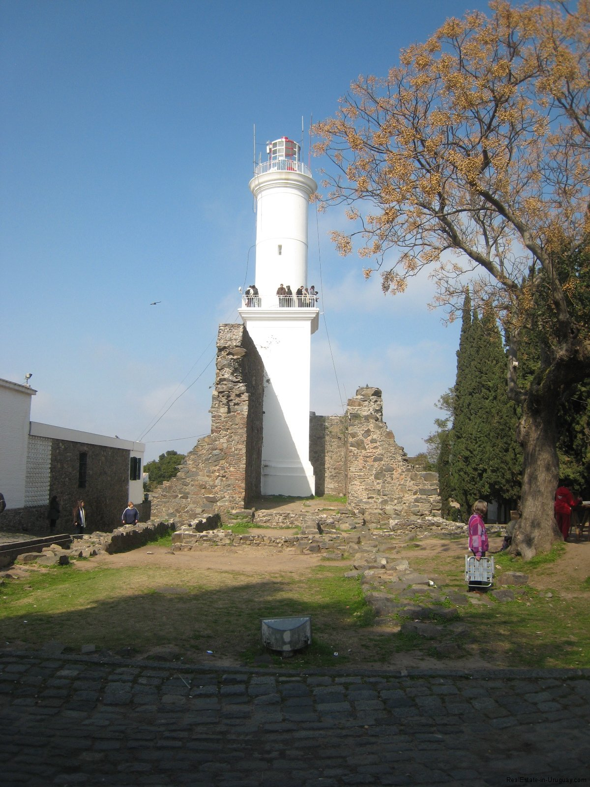 Colonia-Light-tower
